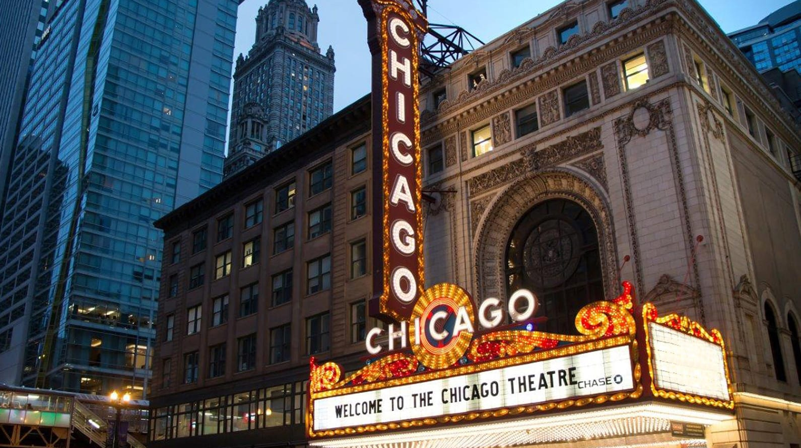 Chicago Theatre address and directions